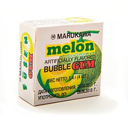 Marble bubble gum  - ДыняФруктовые<br>Хорошо знакомая многим знатокам жевательная резинка Marble от главного конкурента Lotte на азиатском рынке - компании Marukawa.<br>Компактная упаковка легко помещается в любом кармане. В каждой пачке Вы найдете 4 шарика жевательной резинки. Вкус держится не очень долго, но попробовать их стоит, благо цена позволяет сделать это без проблем.<br>Дыня, которая освежает!<br>
