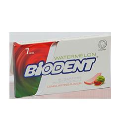 Biodent  - Сочный арбузФруктовые<br>Представляем новую страну на нашем бабл гам Глобусе - Иран.<br>Новая жевательная резинка от бренда Biodent со вкусом сочного арбуза это как прохладительный коктейль на пляже, наполненный долгожданной прохладой и легкой кислинкой! Вкусная и не очень сладкая.<br>Кроме того эта жвачка не содержит сахар, а в ее формуле вместо аспартама были использованы натуральные подсластители.<br>