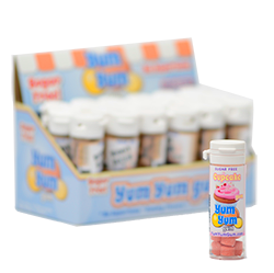Yum Yum Gum Cupcake - КапкейкФруктовые<br>Название бренда переводится с англ., как вкусняшка,<br>объедение,   и такое название было<br>выбрано не зря! Удивительно вкусные, мягкие жевательные резинки точь-в-точь<br>передают вкусы любимых и всегда желанных десертов или экзотических фруктов.<br>Кроме того, эти жвачки не содержат сахара и аспартама, поэтому Вы смело можете<br>покупать их и не бояться за Вашу фигуру! Банановый крем или карамелизированный<br>поп корн, арахисовое масло или шоколадный брауни, глазированный пончик или<br>капкейк - решать Вам, чем сегодня Вы себя побалуете! <br>Данная жевательная резинка имеет вкус: капкейк.<br>